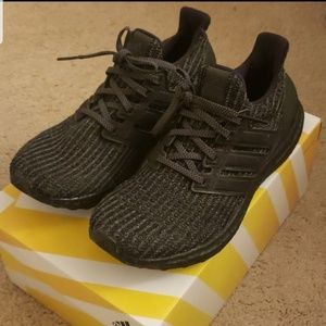 Adidas triple black ultraboost